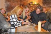 Opening - Le Burger Restaurant - Di 09.08.2016 - Heinz HANNER, Verena PFL�GER, Nadine FRIEDRICH44