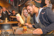 Opening - Le Burger Restaurant - Di 09.08.2016 - Chiara PISATI, Patrick KUNST48