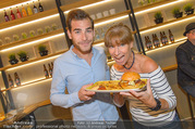 Opening - Le Burger Restaurant - Di 09.08.2016 - Claudia KRISTOVIC-BINDER mit Sohn Tobias9