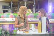 VIP Opening - Plus City Linz - Mi 31.08.2016 - Michelle HUNZIKER beim meet & greet45