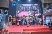 Opening Tag 3 - Plus City Linz - Fr 02.09.2016 - Schlussbild, Modenschau167