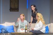 Bühnenfotos Honigmond - Stadttheater Berndorf - Mo 05.09.2016 - Kristina SPRENGER, Susanna HIRSCHLER, Adriana ZARTL11
