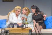 Bühnenfotos Honigmond - Stadttheater Berndorf - Mo 05.09.2016 - Kristina SPRENGER, Susanna HIRSCHLER, Adriana ZARTL17