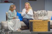 Bühnenfotos Honigmond - Stadttheater Berndorf - Mo 05.09.2016 - Kristina SPRENGER, Susanna HIRSCHLER34