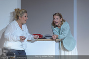 Bühnenfotos Honigmond - Stadttheater Berndorf - Mo 05.09.2016 - Kristina SPRENGER, Susanna HIRSCHLER37