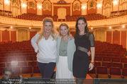 Bühnenfotos Honigmond - Stadttheater Berndorf - Mo 05.09.2016 - Kristina SPRENGER, Susanna HIRSCHLER, Adriana ZARTL4