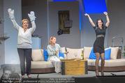 Bühnenfotos Honigmond - Stadttheater Berndorf - Mo 05.09.2016 - Kristina SPRENGER, Susanna HIRSCHLER, Adriana ZARTL48