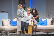 Bühnenfotos Honigmond - Stadttheater Berndorf - Mo 05.09.2016 - Kristina SPRENGER, Susanna HIRSCHLER, Adriana ZARTL58