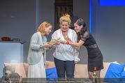 Bühnenfotos Honigmond - Stadttheater Berndorf - Mo 05.09.2016 - Kristina SPRENGER, Susanna HIRSCHLER, Adriana ZARTL61