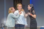 Bühnenfotos Honigmond - Stadttheater Berndorf - Mo 05.09.2016 - Kristina SPRENGER, Susanna HIRSCHLER, Adriana ZARTL62