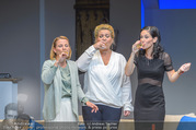 Bühnenfotos Honigmond - Stadttheater Berndorf - Mo 05.09.2016 - Kristina SPRENGER, Susanna HIRSCHLER, Adriana ZARTL63