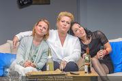 Bühnenfotos Honigmond - Stadttheater Berndorf - Mo 05.09.2016 - Kristina SPRENGER, Susanna HIRSCHLER, Adriana ZARTL66