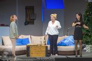 Bühnenfotos Honigmond - Stadttheater Berndorf - Mo 05.09.2016 - Kristina SPRENGER, Susanna HIRSCHLER, Adriana ZARTL71