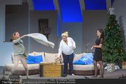 Bühnenfotos Honigmond - Stadttheater Berndorf - Mo 05.09.2016 - Kristina SPRENGER, Susanna HIRSCHLER, Adriana ZARTL72