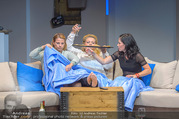 Bühnenfotos Honigmond - Stadttheater Berndorf - Mo 05.09.2016 - Kristina SPRENGER, Susanna HIRSCHLER, Adriana ZARTL76