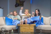 Bühnenfotos Honigmond - Stadttheater Berndorf - Mo 05.09.2016 - Kristina SPRENGER, Susanna HIRSCHLER, Adriana ZARTL77