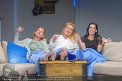 Bühnenfotos Honigmond - Stadttheater Berndorf - Mo 05.09.2016 - Kristina SPRENGER, Susanna HIRSCHLER, Adriana ZARTL78