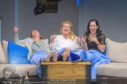 Bühnenfotos Honigmond - Stadttheater Berndorf - Mo 05.09.2016 - Kristina SPRENGER, Susanna HIRSCHLER, Adriana ZARTL80