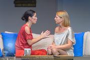 Bühnenfotos Honigmond - Stadttheater Berndorf - Mo 05.09.2016 - Kristina SPRENGER, Adriana ZARTL89