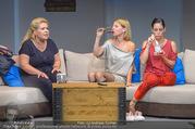 Bühnenfotos Honigmond - Stadttheater Berndorf - Mo 05.09.2016 - Kristina SPRENGER, Susanna HIRSCHLER, Adriana ZARTL92