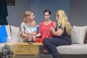 Bühnenfotos Honigmond - Stadttheater Berndorf - Mo 05.09.2016 - Kristina SPRENGER, Susanna HIRSCHLER, Adriana ZARTL94