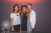 Runway Fashion Show - Kattus Sektkellerei - Di 06.09.2016 - Barbara KAUDELKA, Sabine KARNER, Julia FURDEA17