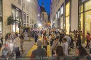 Vogue Fashion´s Night Out - Park Hyatt - Mi 07.09.2016 - Laufsteg outdoor Goldenes Quartiert1