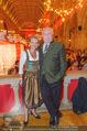 10. Trachtenpärchenball Teil 1 - Rathaus - Fr 09.09.2016 - Michael H�UPL mit Ehefrau Barbara (H�RNLEIN)104