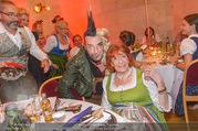 10. Trachtenpärchenball Teil 1 - Rathaus - Fr 09.09.2016 - Thomas KLEIN mit Mutter Ingrid KLEIN155