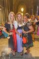 10. Trachtenpärchenball Teil 1 - Rathaus - Fr 09.09.2016 - Yvonne RUEFF, Andrea BOCAN, Atousa MASTAN195