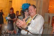 10. Trachtenpärchenball Teil 1 - Rathaus - Fr 09.09.2016 - Nina HAGEN (Selfies mit Fans)249