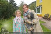 Licht ins Dunkel bei Nagy - Nagy Privathaus Gutenstein - Sa 17.09.2016 - Barbara KARLICH mit Tochter Gloria und Hund Meiki17