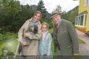 Licht ins Dunkel bei Nagy - Nagy Privathaus Gutenstein - Sa 17.09.2016 - Barbara KARLICH mit Tochter Gloria und Hund Meiki, Leo NAGY21