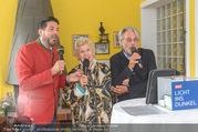 Licht ins Dunkel bei Nagy - Nagy Privathaus Gutenstein - Sa 17.09.2016 - Clemens UNTERREINER Waltraud HAAS Adi HIRSCHAL singen gemeinsam95