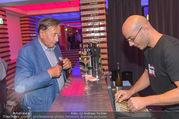 Die Tagespresse Show Premiere - Rabenhof Theater - Di 20.09.2016 - Richard LUGNER an der Bar32