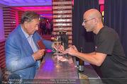 Die Tagespresse Show Premiere - Rabenhof Theater - Di 20.09.2016 - Richard LUGNER an der Bar33