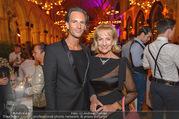 Schikaneder Premierenfeier - Rathaus - Fr 30.09.2016 - Dagmar KOLLER mit Freund Michael BALGAVY1