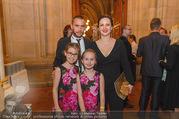 Schikaneder Premierenfeier - Rathaus - Fr 30.09.2016 - Steffen und Barbara HOFMANN, Kinder Emmilie, Sophie-Maria10