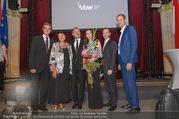 Schikaneder Premierenfeier - Rathaus - Fr 30.09.2016 - Gruppenfoto GEYER, BRAUNER, DROZDA mit Frau, STRUPPECK, POKORNY26