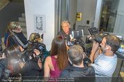 Wider die Gewalt Gala - Ronacher - Mo 10.10.2016 - Rainhard FENDRICH gibt Interviews178