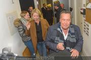 Wider die Gewalt Gala - Ronacher - Mo 10.10.2016 - Roland KAISER (im Hintergrund Ehefrau und Tochter)54