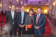 Ausstellungseröffnung - Schloss Esterhazy - Fr 14.10.2016 - Familie Stefan und Agnes OTTRUBAY S�hne Kinder Adam und Gustav114