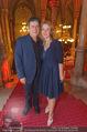 Life goes on Gala - Rathaus - Sa 15.10.2016 - Michael HIRTE mit Ehefrau Jenny (Jennifer)10