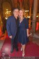 Life goes on Gala - Rathaus - Sa 15.10.2016 - Michael HIRTE mit Ehefrau Jenny (Jennifer)9