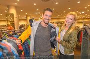 Shop Opening - TKmaxx Store - Mi 19.10.2016 - Andy MORAVEC mit Freundin Tanja25