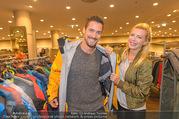 Shop Opening - TKmaxx Store - Mi 19.10.2016 - Andy MORAVEC mit Freundin Tanja26