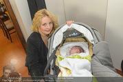 Lichter Oktoberfest - Schanzenwirt - So 23.10.2016 - Iva SCHELL mit Baby, Tochter Viktoria Katharina Luise 30
