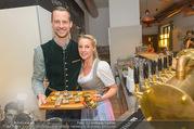 Lichter Oktoberfest - Schanzenwirt - So 23.10.2016 - Markus und Nina KOGLER34