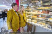 Fotoshooting Lugners - Lugner City - Do 27.10.2016 - Richard und Cathy LUGNER21