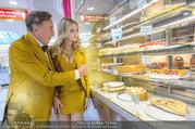 Fotoshooting Lugners - Lugner City - Do 27.10.2016 - Richard und Cathy LUGNER4